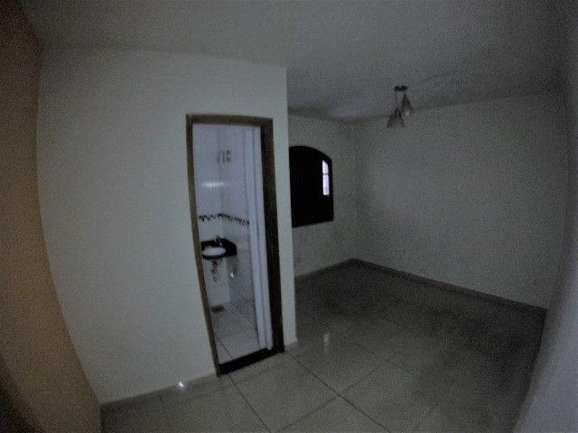 Alugo Casa Comercial / Residencial em Jucutuquara com 387m² e 5 quartos - R$ 5.000 - Foto 9