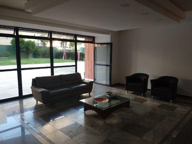 Apartamento Nascente no melhor do Bairro Meireles ao poucos metros da Beira Mar - Foto 18