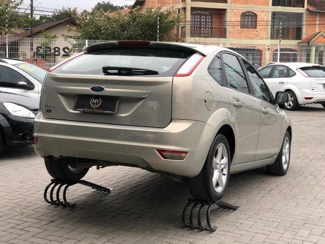 Ford Focus 2011 1.6 Manual - Foto 6
