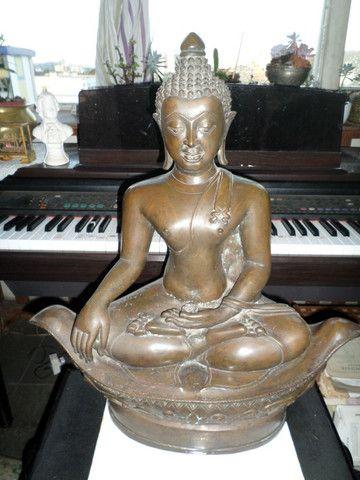 Buda (budha) em Bronze - Raro o preço é fixo! Ver o preço a vista por um tempo limitado!