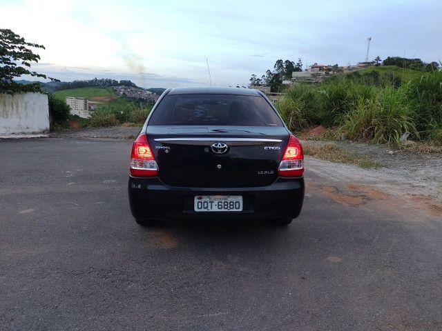 Etios sedan - Foto 3