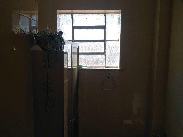 Vendo apartamento mobiliado, um dormitórios área central - Foto 2