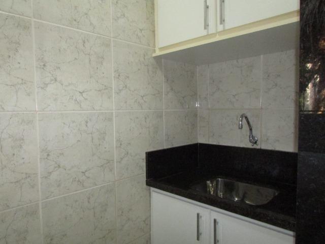 Lindo apartamento reformado condomínio fechado no Balneário de Jacaraípe - Foto 17