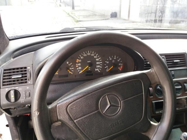 Vendo uma Mercedes c180 sedã ano 1996 - Foto 12