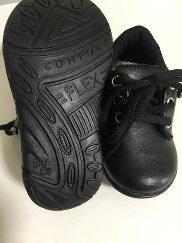 Lote Sapatos menino Novos - Foto 2