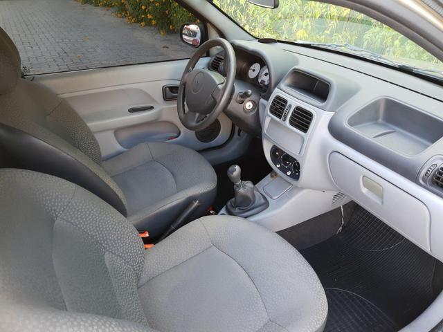 Renault clio 2011 apenas km 84.000 originais !! - Foto 9