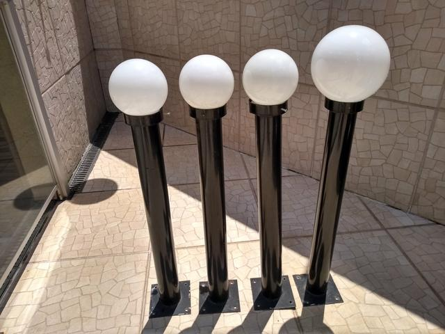 Mini postes de iluminação para jardim com globo