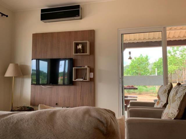 Oportunidade às margens do Lago Corumbá 3! 04 quartos, linda! - Foto 4