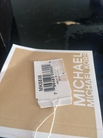 Relógio Michael Kors Original Com Manual e etiqueta da loja na caixa ... 7d5d03f4b2