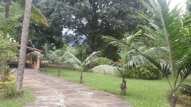 Sítio 9.000 m² com 2 casas - piscina - área social - todo murado - Itaguaí - Foto 4