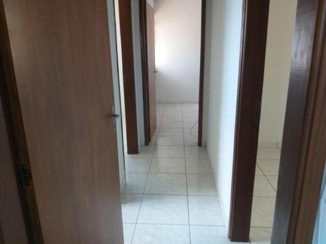 Apartamento com 3 dormitórios para alugar, 0 m² por R$ 700,00/mês - Estados Unidos - Ubera - Foto 5