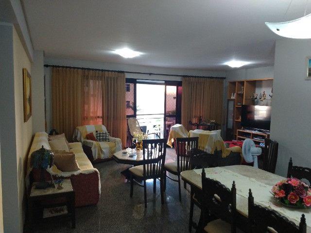 Apartamento Nascente no melhor do Bairro Meireles ao poucos metros da Beira Mar - Foto 16