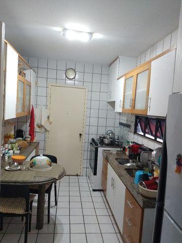 Apartamento Nascente no melhor do Bairro Meireles ao poucos metros da Beira Mar - Foto 10
