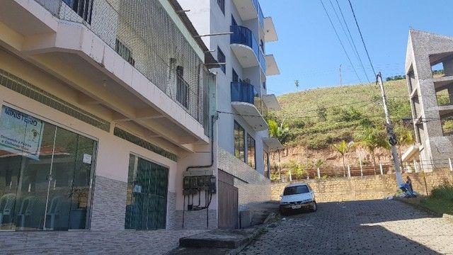 Ponto Comercial com dois apartamentos
