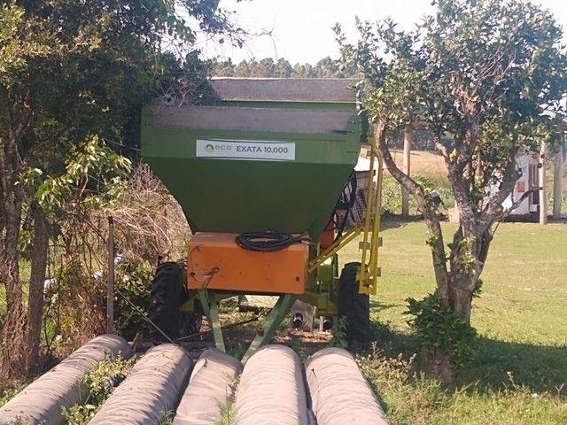 0 KM - Vendo Carreta Distribuidora de Fertilizantes - Oportunidade Única  - Foto 3