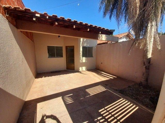 Casa Já financiada. Asfalto, com varanda, 2 quartos e etc. Parcela R$ 570,00. Caiobá - Foto 3
