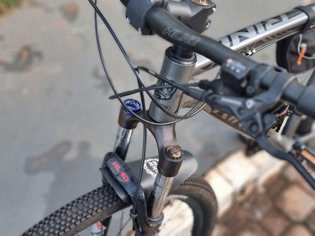 Bike pronta pra trilha, aro 29 quadro 21 - Foto 6