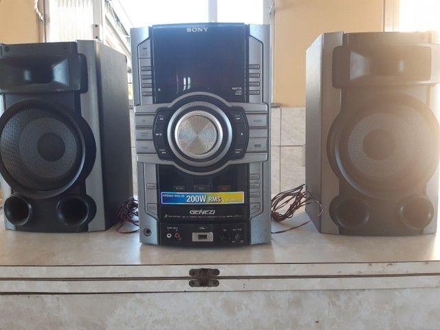 Mini System Sony GENEZI MHC-GT111 200W RMS