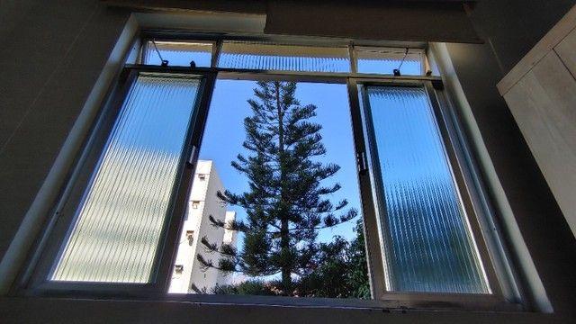 Alugo Apartamento Temporada Catete. Próximo Metrô, Centro. Silencioso, vista para jardim.
