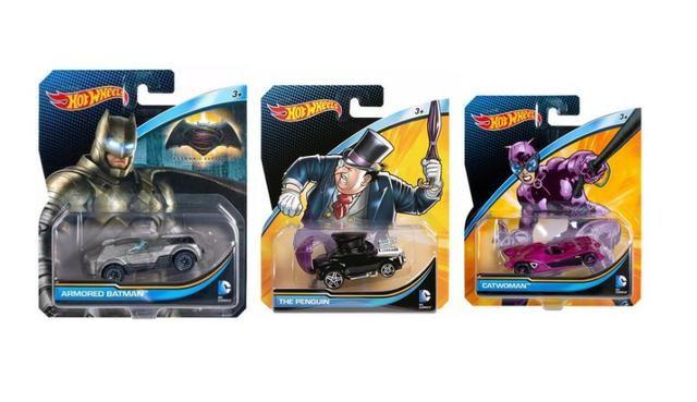 Carros DC Comics - Hot Wheels - Batmóvel, Pinguim, Mulher Gato