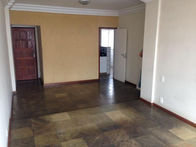 Apartamento no Centro de Vitória com dependência de empregada
