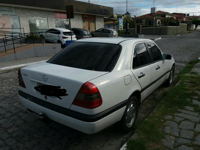 Vendo uma Mercedes c180 sedã ano 1996 - Foto 4