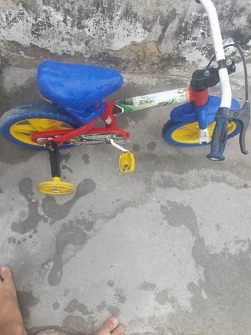 Bicicleta Infantil Com Rodinhas - Foto 2