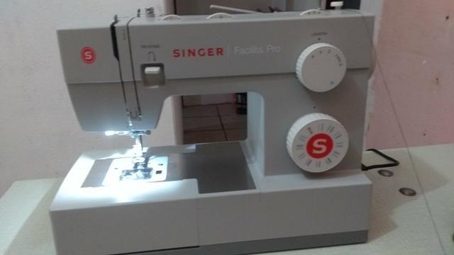 Máquina de costura doméstica Singer facilita pro
