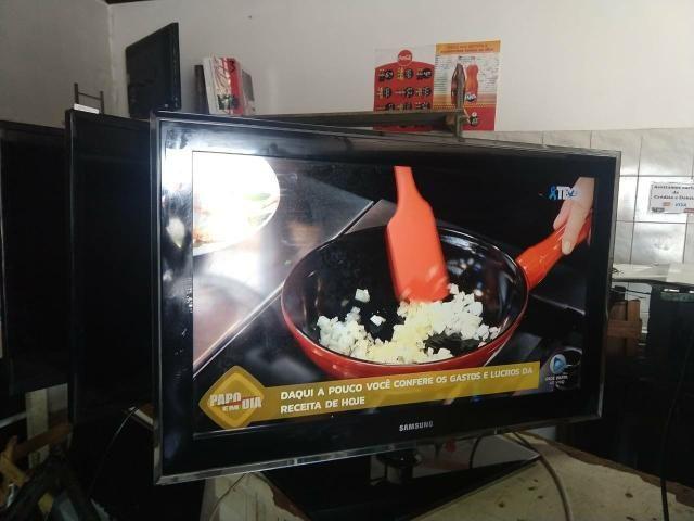 Vendo TV 32da Samsung com garantia - Foto 2