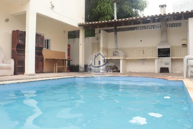 Casa Moderna, Duplex com Piscina; 3/4 (1 Suíte), Garagem em Itapuã-HC074 - Foto 4