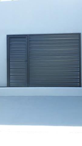 Vende se 1 portão de alumínio novo