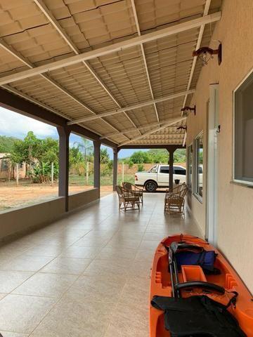 Oportunidade às margens do Lago Corumbá 3! 04 quartos, linda! - Foto 14