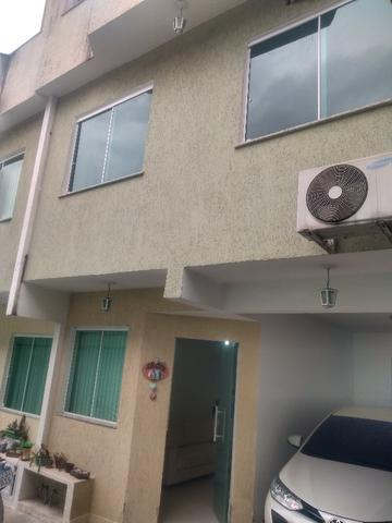 Tripléx 03 qtos 03 banh terraço garagem coberta churrasq. Centro Nilópolis RJ Ac carta!