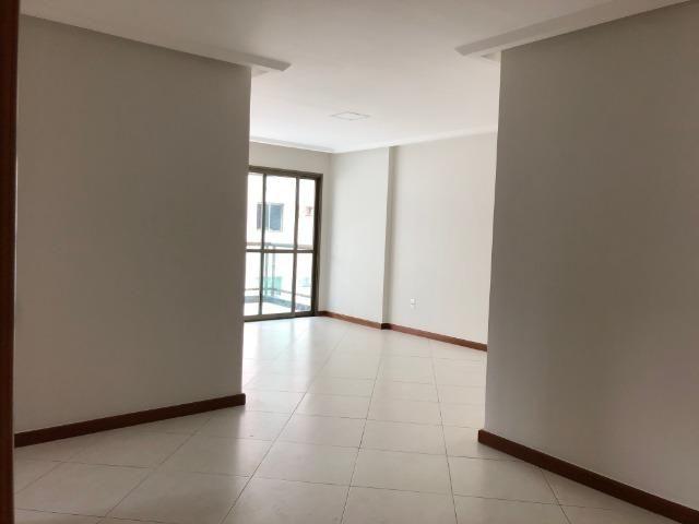Pelegrine Apart. 105 m², 3 quartos, 1 suíte, 2 vagas, armários, lazer completo, Itaparica - Foto 2