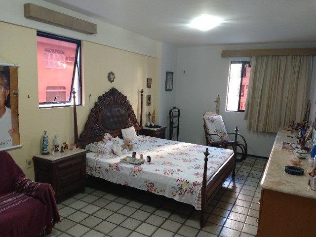 Apartamento Nascente no melhor do Bairro Meireles ao poucos metros da Beira Mar - Foto 5