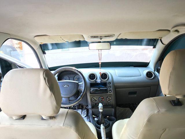 Carro Fiesta Sedan 1.0 2006/2007 -BAIXEI O PREÇO  ?