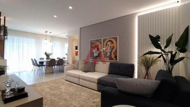 Negrão de Lima - 2 quartos - Andar alto - Alameda Leste