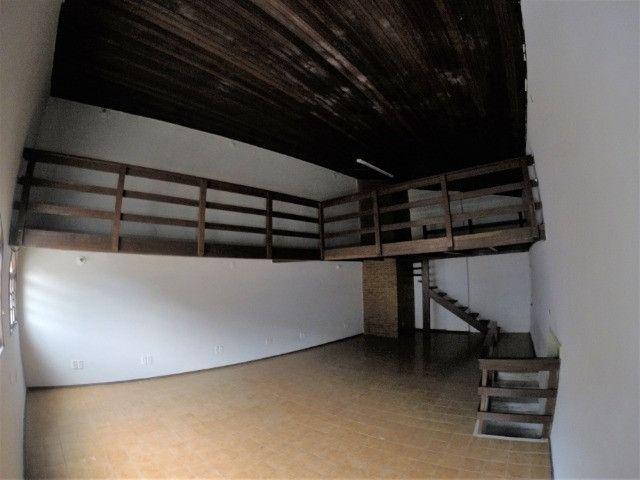 Alugo Casa Comercial / Residencial em Jucutuquara com 387m² e 5 quartos - R$ 5.000 - Foto 20