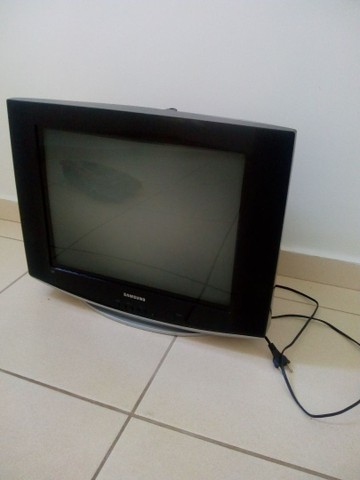 Tv Samsung Slim fit 20p