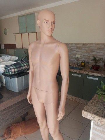 Manequim masculino de resina sem uso olho vidro - Foto 5