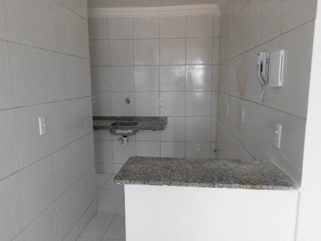 Alugo Apartamento 03 Quartos e Lazer Com Piscina no Bairro Maraponga - Foto 3