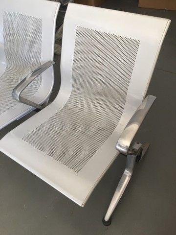 Longarina 2 lugares modelo aeroporto com braços entre os assentos  - Foto 2