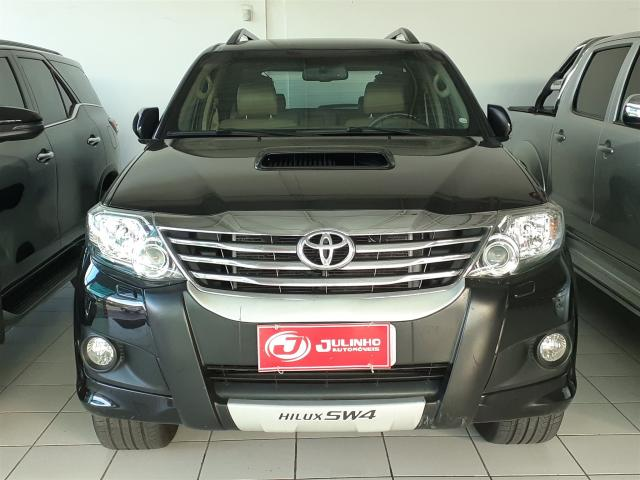 TOYOTA HILUX SW4 2012/2012 3.0 SRV 4X4 7 LUGARES 16V TURBO INTERCOOLER DIESEL 4P AUTOMÁTI - Foto 2