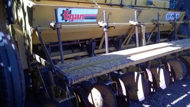 Semeadeira/plantadeira Egan 6 linhas - Foto 5