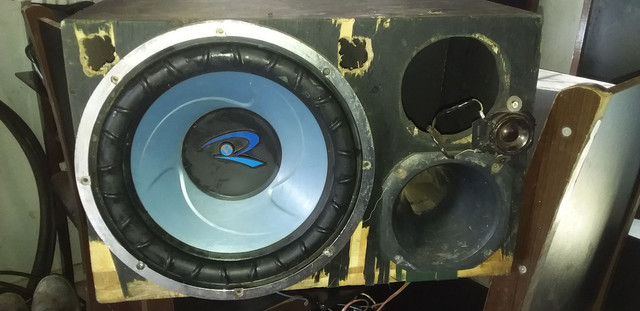 Sub d 300 rms