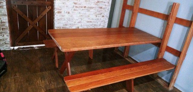 Mesa dobravel em madeira de Angelim