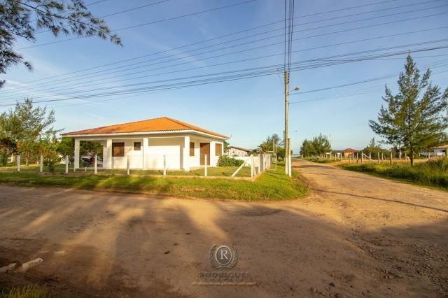 Casa a meia quadra da beira mar em Torres - Foto 10