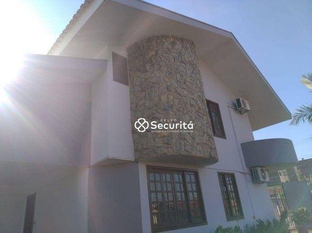 Sobrado com 4 dormitórios para alugar, 240 m² por R$ 7.000/mês - Região do Lago - Cascavel