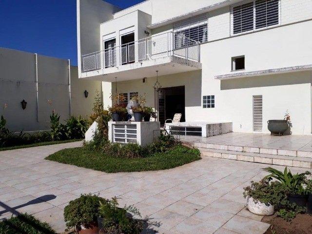 Residência 4 dor 2 suítes, 500m², piscina, junto ao Iguatemi.