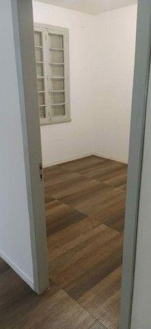 Alugo apartamento na Av Cristóvão Colombo térreo 2 quartos 75m2